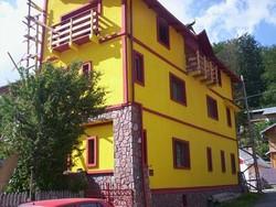 Vila de Vanzare in Azuga (Semicentrala, Prahova)