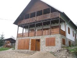 Vila de Vanzare in Valea Doftanei (Semicentrala, Prahova)
