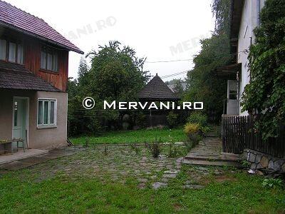 20BL – Vila cu 6 camere de Vanzare in Comarnic, zona Semicentrala
