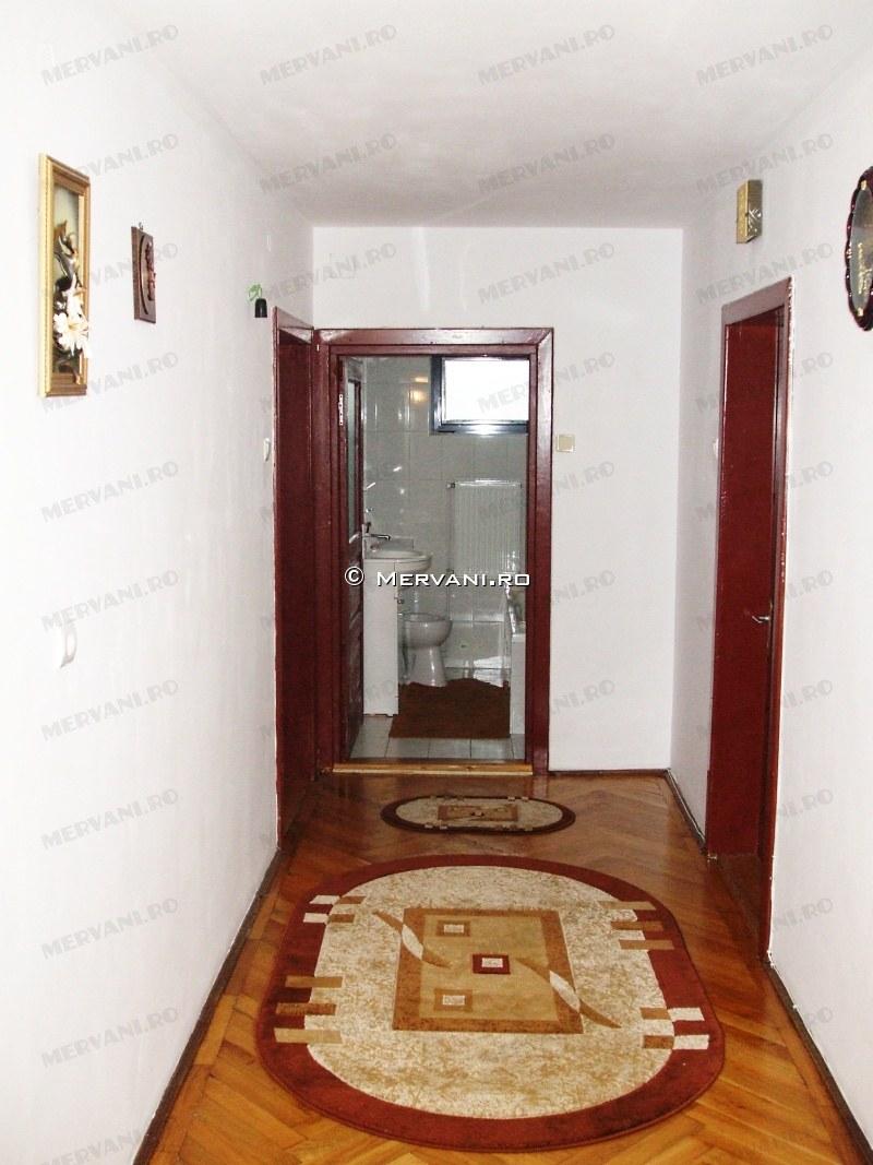 X1F86 – Casa cu 4 camere de Vanzare in Campina, zona Semicentrala