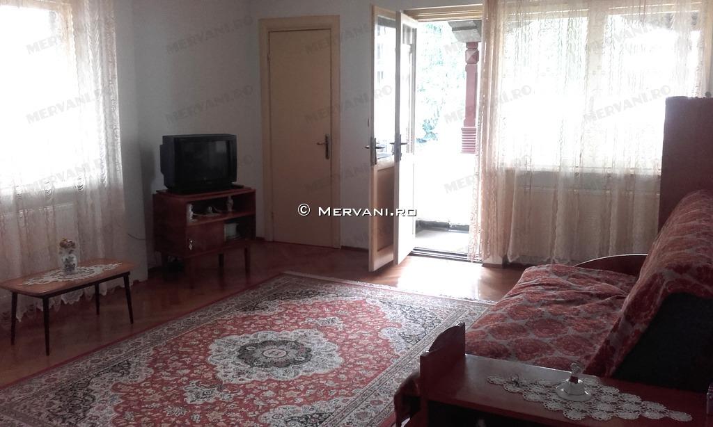 X01795 – Apartament cu 3 camere de Vanzare in Sinaia, zona Ultracentrala