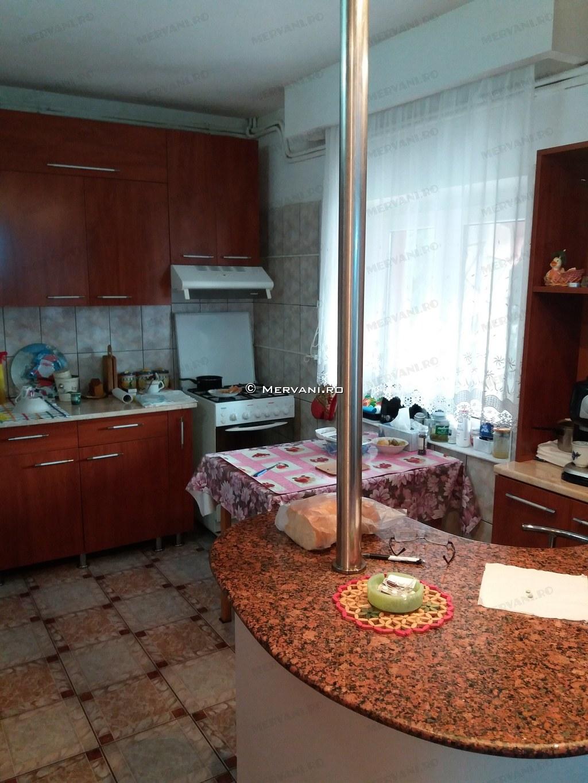 X21A47 – Vila cu 8 camere de Vanzare in Breaza, zona Capul Campului