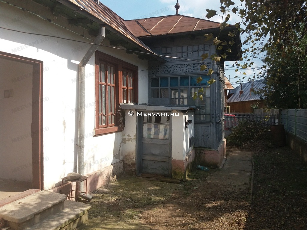 X11AE8 – Casa cu 3 camere de Vanzare in Baicoi, zona Semicentrala