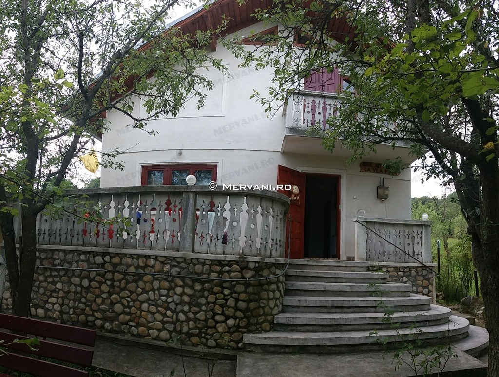 Simulator Tencuiala Decorativa.Casa Cu 4 Camere De Vanzare In Poiana Campina Zona Ragman X11b23