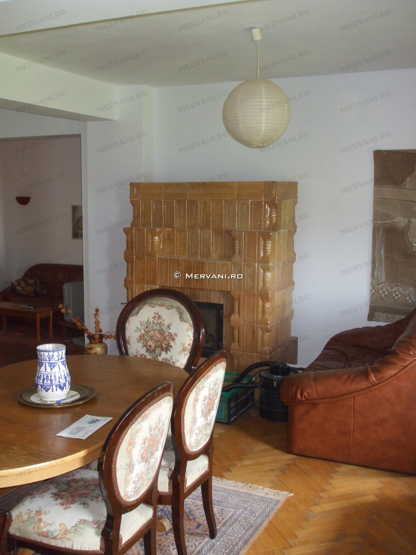 X21B33 – Vila cu 8 camere de Vanzare in Breaza, zona Clubul de Golf