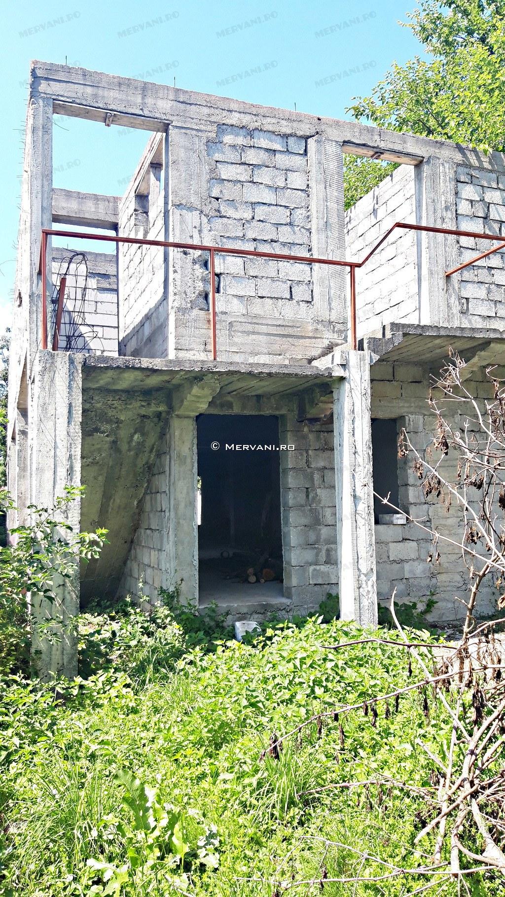 X21CC5 – Vila cu 7 camere de Vanzare in Brebu, zona Centrala