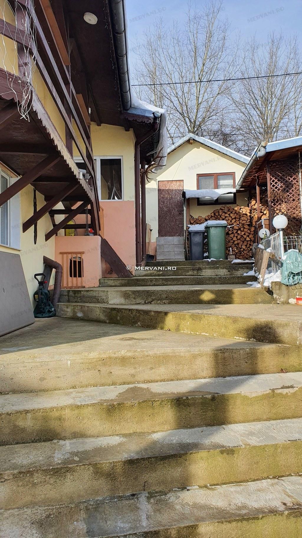 X11D1B – Casa cu 6 camere de Vanzare in Telega, zona Doftana