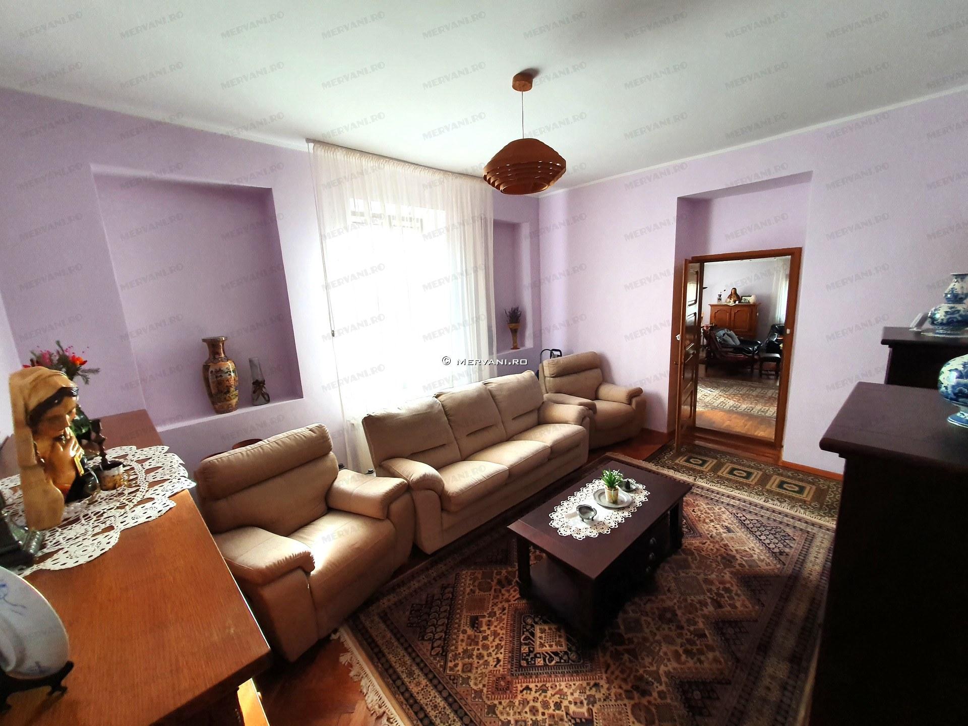 X11D1F – Casa cu 5 camere de Vanzare in Sinaia, zona Ultracentrala