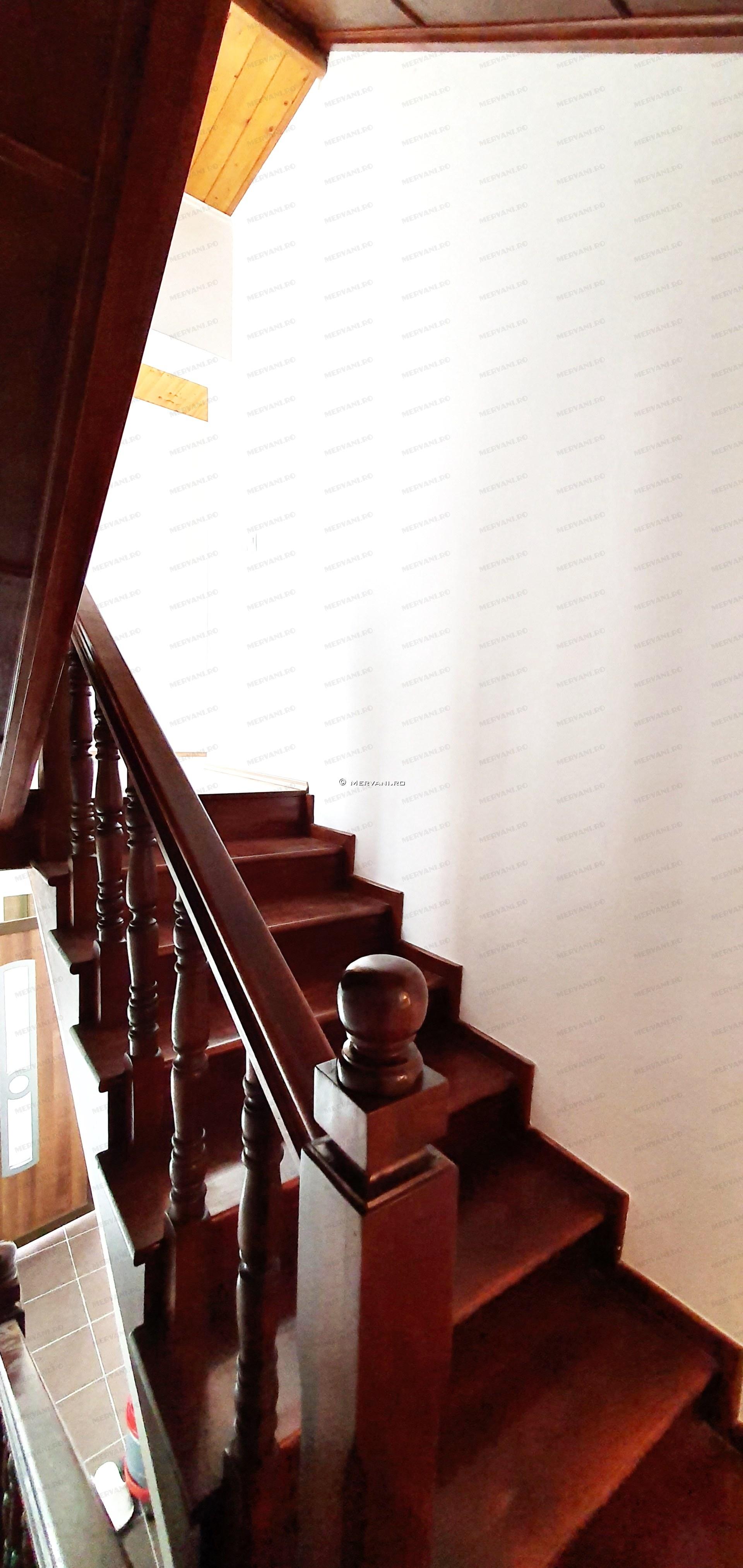X21D37 – Vila cu 6 camere de Vanzare in Cornu, zona Cornu de Jos