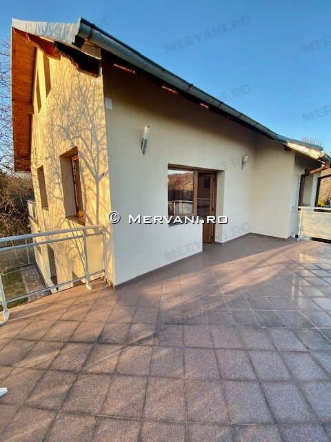 X21D7A – Vila cu 7 camere de Vanzare in Breaza, zona Liceul Militar