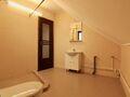 Casa cu 7 camere de vanzare in Busteni (zona Poiana Tapului). Imagine pentru oferta X11AA4 (Fotografia 4).