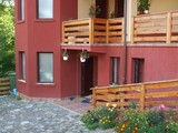 Vila cu 14 camere de vanzare in Comarnic (zona Ghiosesti). Miniatura #102350 pentru oferta X21268.
