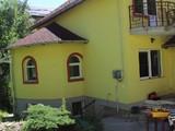 Vila cu 6 camere de vanzare in Sinaia. Miniatura #130763 pentru oferta X219E9.