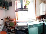 Apartament cu 3 camere de vanzare in Azuga. Miniatura #136751 pentru oferta X01BB7.