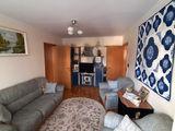 Apartament semidecomandat cu 3 camere de vanzare in Sinaia (zona Malul Spitalului). Miniatura #138758 pentru oferta X0EEE.