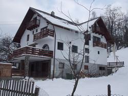 Vila Turistica de Vanzare in Bran (Castelul Bran, Brasov)